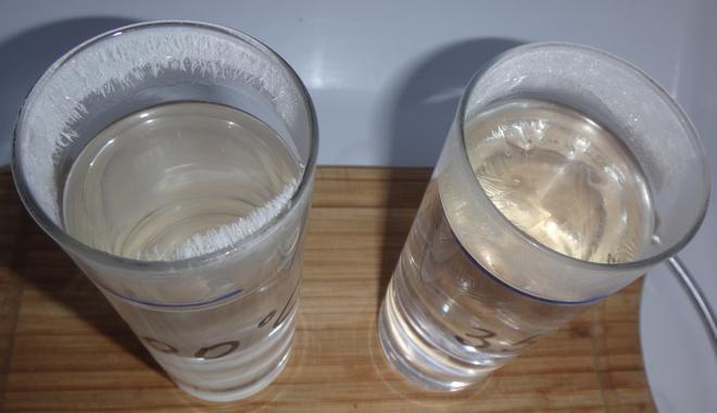 замерзание горячей и холодной воды